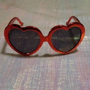 Accessories - Metallic red trendy heart shaped sunglasses
